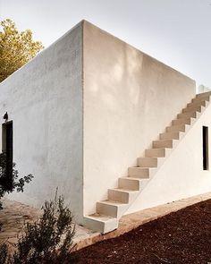 interiordesign_addict#lagranjaibiza #amirfischer #dreimetadesignstudio #ibiza #wabisabi #dreimeta #architecture #interiordesign