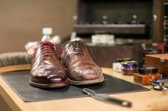 #saphir #pommadier #cream #krem #buty #butyklasyczne #renomat #mirrorshine #shoecare #shoeshine #shoecream #shoe #shoes #shoeslover #shoestagram #shoeporn @patinepl #patine #patinepl #multirenowacja #leather #shine #pielegnacja #wax #pastadobutow #schuhe #mensshoes #menswear #wholecut