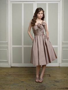 Fabulous Short Taffeta Strapless Bridesmaid Dresses With Statement Bow And Pockets