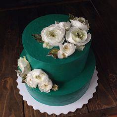 На свадьбу в изумрудном цвете  • #dessert #desserttime #food #instafood #sweet #chocolate #cake #icecream #cupcakes #donuts #buttercream #chocolate #baking #sugarcraft #cakepops #desserttable #candybar #redvelvet #creamcheese #bakery #oreo#sinnabon #foodporn #foodblog