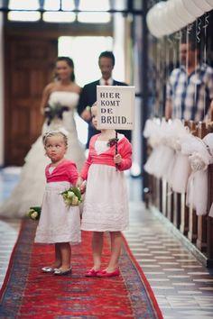 hier komt de bruid.... hopelijk schuift ze niet uit! ;-)