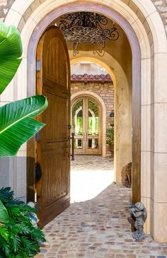 love the right courtyard entry