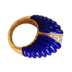 Bague Lapis Lazuli Van Cleef & Arpels en or jaune, lapis lazuli et diamants - circa 1960