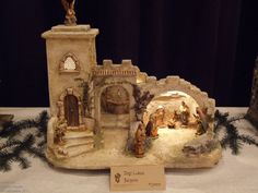 images about Pesebres on Christmas Cave, Christmas Crib Ideas, Christmas Gift Decorations, Christmas Minis, Christmas Nativity, Christmas Pictures, Christmas Projects, Christmas Holidays, Christmas Ornaments