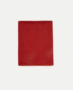 Εικόνα 1 του ΜΟΝΟΧΡΩΜΟ ΚΑΣΚΟΛ SUPER SOFT από Zara