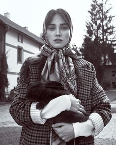 The November 2017 issue of Harper's Bazaar Czech heads to the countryside for this dreamy fashion editorial. Photographed by Andreas Ortner, models Eliza R Art Quotidien, Countryside Fashion, Portrait Photography, Fashion Photography, Head Scarf Tying, Mode Editorials, Fashion Editorials, Gone Girl, Russian Fashion