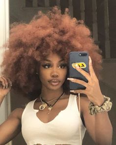 Beautiful Black Girl, Pretty Black Girls, Black Girl Aesthetic, Aesthetic Hair, Sza Singer, Pretty People, Beautiful People, Photographie Indie, Curly Hair Styles