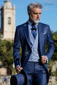 Bespoke royal blue morning suit cool wool Ottavio Nuccio Gala is part of Wedding suits groom - Italian bespoke royal blue cool wool mix morning suit Wedding suit 2141 Gentleman Collection Ottavio Nuccio Gala White Tuxedo Wedding, Blue Suit Wedding, Wedding Men, Vintage Wedding Suits, Royal Blue Suit, Blue Suit Men, Bleu Royal, Blue Suits, Blue Tux