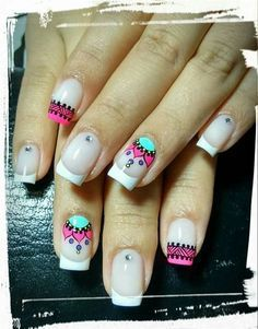 Opting for bright colours or intricate nail art isn't a must anymore. This year, nude nail designs are becoming a trend. Here are some nude nail designs. Spring Nail Art, Spring Nails, Summer Nails, Love Nails, Pretty Nails, Nail Art Designs, Mandala Nails, Magic Nails, French Tip Nails