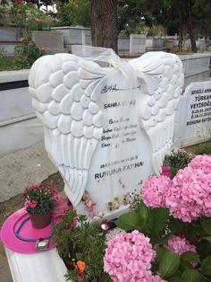 melek mezar taşı angel tombstones