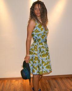 Elegante vestido años 50 en tela africana wax, sencillo pero muy favorecedor. www.waxfusion.net