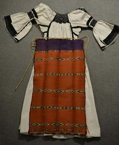 Folk Embroidery, Costumes, Popular, Fashion, Moda, Dress Up Clothes, Fashion Styles, Fancy Dress, Popular Pins