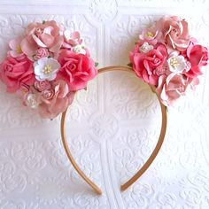 A beautiful bloom for our Minnie Mouse & Disney lovers! We wanted to give a ModerneChild twist to one of the most loved Disney characters! Will fit from sizes Diy Disney Ears, Disney Mickey Ears, Minnie Mouse Party, Disney Diy, Disney Crafts, Disney Trips, Disney 2017, Mickey Mouse, Disney Headbands