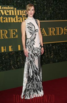 Nicole-Kidman-Evening-Standard-Theatre-Awards-Fashion-Alexander-McQueen-Tom-Lorenzo-Site (1)