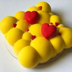 #Repost @lizzie_sweezie: Любовная любовь! ❤️😍 когда два сердца бьются вместе..... 🎶🎵🎶 а под сердцем ещё одно маленькое сердечко 😻👶🏼 #florida #miamicake #cakeinmiami #cakemiami #тортмайами #майамиторт #майами #муссовыйторт #шоколадныйвелюр Fun Desserts, Delicious Desserts, 123 Cake, Mirror Glaze Cake, Valentine Cake, Mousse Cake, Cupcakes, Pretty Cakes, Culinary Arts
