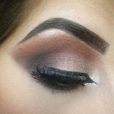 Hi!!Today's Eye make up look is created by myself.. I Have stacked two of the @hudabeauty @shophudabeauty #hudabeauty #shophudabeauty Lashes in SAMANTHA together... For my eyebrows i have the Ebony  eyebrow dipbrow pomade by @anastasiabeverlyhills #anastasiabeverlyhills @norvina #norvina with there clear brow gel. For eyeliner i used LITTLE BLACK DRESS eyeliner by @motivescosmetics@lorenridinger #motivescosmetics  I hope you all like it.xx.  #makeupbysanna #sannamua #dressyourface #vegas_nay…