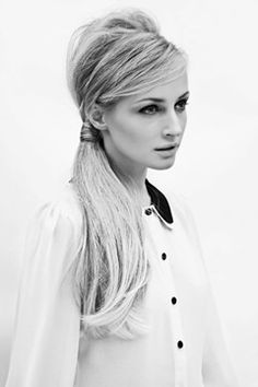 Invisible Ponytail Hairstyles for Women Trendy Hair Style Hershesons the Invisible Ponytail at Side Ponytail Hairstyles, Side Ponytails, Up Hairstyles, Pretty Hairstyles, Messy Ponytail, Style Hairstyle, Vintage Ponytail, Perfect Ponytail, Long Hairstyles