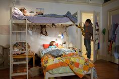 Selena Gomez as Beatrice (Beezus) Quimby, in Ramona and Beezus. Ramona And Beezus, Joey King, Awesome Bedrooms, Dream Rooms, Bunk Beds, Selena Gomez, Cute Babies, Toddler Bed, Cool Stuff