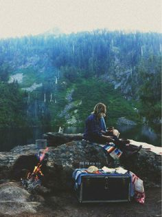 A campfire with a view // hit the road and head for the woods
