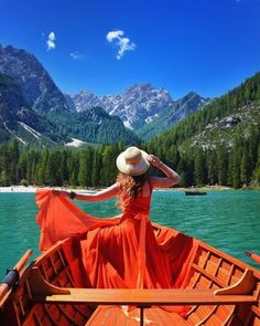 I Travel The World In Flowy Dresses To Take Self-Portraits In The Most Beautiful Places Photo Projects, Spain Travel, Photos, Pictures, Photo Art, Travel Photography, Party Photography, Beautiful Places, Adventure