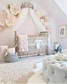 45 Beautiful Baby Girl Nursery Room Ideas The Effective Pictures We Offer You About Baby Room decoracion cuarto bebe A quality picture can tell you many things. You can find the most beautif Baby Nursery Decor, Baby Bedroom, Baby Decor, Flower Nursery, Baby Nursery Ideas For Girl, Baby Rooms, Baby Girl Room Themes, Girls Bedroom, Babies Nursery