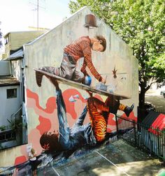 """Our friend Fintan Magee is currently in Sydney where he just wrapped up this amazing new piece entitled """"Support"""" somewhere in the district of Wooloomooloo."""