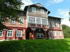 Penzion Flora nabízí levné ubytování v Janskych lázních. Příjemná horská atmosféra v Krkonoších Flora, Big Mountain, Mansions, House Styles, Home Decor, Mansion Houses, Decoration Home, Manor Houses, Villas