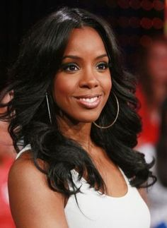 "Create Kelly Rowland's look by using #ParisHairCo's Bombshell Body Wave in 12-14-16""! Only $280! Available on ParisHairCo.com!"