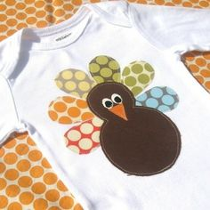 thanksgiving onesie--adorable!  would also look great on a place card or happy thanksgiving card