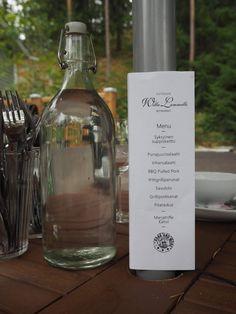 Lifestyle-blogi - Willa Lemmelle : Mökkikauden päätös, Venetsialaiset Bbq, Wine, Drinks, Bottle, Barbecue, Drinking, Beverages, Barrel Smoker, Flask
