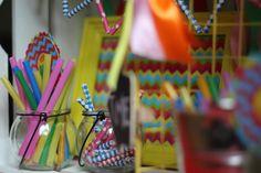 Słomki papierowe, szklany słoiczek, girlanda, dekoracje urodzinowe / Paper straws, glass jar, garland, party decorations, @TigerPolska