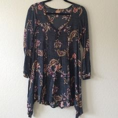 Tallow Urban Outfitters Floral Print Dress Super rare, from Tallow, sold at Urban Outfitters. Size 2, fits like a XS. No trades, no holds, no PayPal. Thanks! Urban Outfitters Dresses