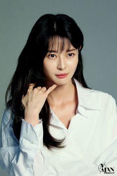 Kdrama Actors, Korean Actresses, Pop Singers, Girl Bands, Korean Celebrities, Nara, Beautiful Asian Women, Korean Women, Portrait