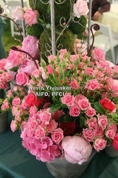 Garden design with Smithers Oasis and Accent Decor product. Garden Show, Newport, Accent Decor, Oasis, Flower Arrangements, Garden Design, My Design, Floral Wreath, Gardens