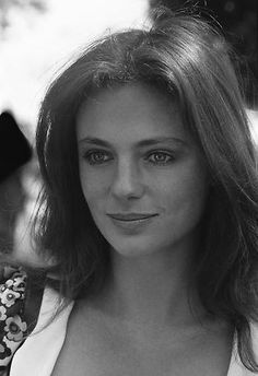 Jacqueline Bisset at Film Festival in Cannes,France on May Classic Actresses, Hollywood Actresses, Beautiful Actresses, Actors & Actresses, Natalie Wood, Classic Beauty, Timeless Beauty, Jacqueline Bissett, Gal Gabot