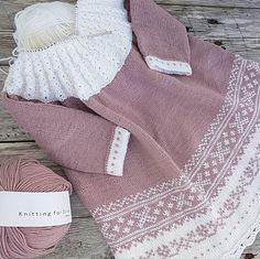 ~ September ~#knit #knitting #knitted #knittersofinstagram #knitstagram #instaknit #knitting_inspiration #babystrikk #barnestrikk #picklesmerinoextrafine