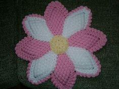 Mahi Karpinar shared a video Crochet Tablecloth, Crochet Doilies, Crochet Flowers, Puff Stitch Crochet, Crochet Baby, Super Moda, Crochet Projects, Sewing Projects, Crochet Kitchen