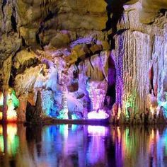 caves of the world - Vietnam