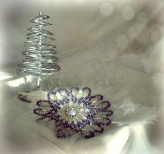 ツ Christmas snowflake | christmas DIY | christmas decoration | beaded christmas snowflake| DIY & Crafts | beading | by ❤ Jani K.