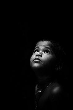 Black and White Portrait Photography: Expert Advice That Helps You Succeed – Black and White Photography Low Key Photography, People Photography, Children Photography, Portrait Photography, Rain Photography, Black And White Portraits, Black White Photos, Black And White Photography Portraits, Black And White Face