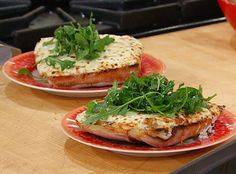 White French Bread Pizza a Rachel Ray recipe. Takes a little time but easy. Used garlic oil for EVOO in the dressing. Pizza Recipes, Vegetarian Recipes, Rachel Ray Recipes, French Bread Pizza, Good Food, Yummy Food, Best Food Ever, Eat Pizza, Food For Thought
