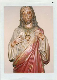 Eucharistic Miracle of Saint-Christ-Briost, France A House that belonged… Heart Of Jesus, Jesus Is Lord, Jesus Christ, Savior, Bride Of Christ, Les Religions, Holy Mary, Blessed Virgin Mary, Mother Mary