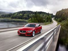 Entrée de gamme, la Jaguar XE s'offre néanmoins une version S avec le V6 340 ch de la F-Type !
