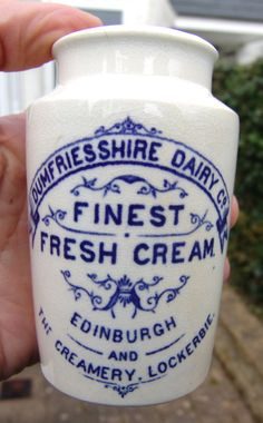 ATTRACTIVE 'DUMFRIESSHIRE DAIRY CO, EDINBURGH & LOCKERBIE' BLUE PRINT CREAM POT