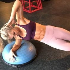 Your core, chest & shoulders will be burnin after this bosu ball plank circuit! ⠀ It only felt right to include some exercises I…