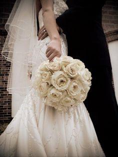Photo taken from A Splendid Affair Wedding & Event Design in Carbondale, IL. http://www.splendideventdesign.com/index2.php#/home/
