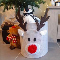 DIY : Panier Renne en feutrine Machine A Pompon, Gnomes, Snowman, Couture, Christmas Ornaments, Holiday Decor, Troll, Ranger, Crochet