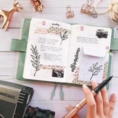 I'm so glad that I found these AMAZING bullet journal washi tape hacks! I'm so excited to try these GREAT bullet journal tips and tricks for myself. These bullet journal washi tape ideas are going to be a real game changer for me! Bullet Journal Journaling, Bullet Journal Washi Tape, How To Bullet Journal, Memory Journal, Bullet Journal Tracker, Bullet Journal Aesthetic, Bullet Journal Notebook, Bullet Journal Ideas Pages, Bullet Journal Spread
