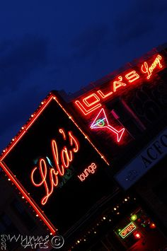 We enjoy the retro look of Lola's Lounge -- more of a restaurant really -- in downtown Sarnia. Retro Look, Good Food, Lounge, Canada, Neon Signs, Places, Airport Lounge, Drawing Rooms, Lugares