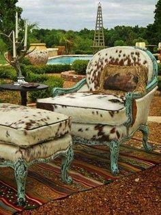 If your home decor is more traditional, choose classic furniture frames made uni.If your home decor is more traditional, choose classic furniture frames made unique with cowhide upholstery. Western Furniture, Painted Furniture, Turquoise Furniture, Furniture Vintage, Retro Home Decor, Diy Home Decor, Cowhide Chair, Cowhide Furniture, Cowhide Decor